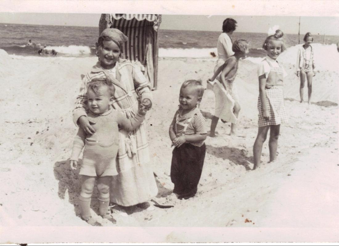 Ute mit Bodo Graal Mueritz Sommer 1940