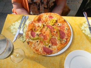This is Ilse's pizza.