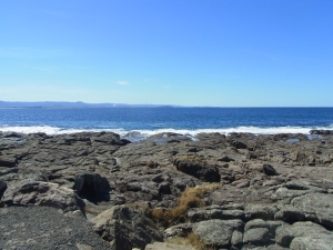 This may be the spot where the ship had been sitting on the rocks. All American seaman were rescued, but some Australian rescuers lost their lives in this terrible night in 1941.