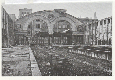 The war ravaged Görlitzer Bahnhof. My train left from the platform on the far right along the wall. Even from this photo one can get an idea of the beautiful architecture.