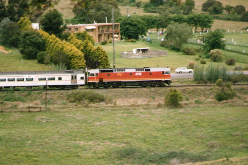 Down the straight towards Tongara Road Level Crossing. June 1987