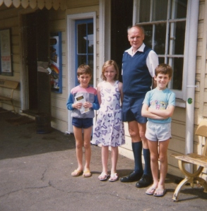 On a Sunday in 1987 this picture was taken at Albion Park Station by an enthusiastic  passenger: Peter with Caroline and the Twins.