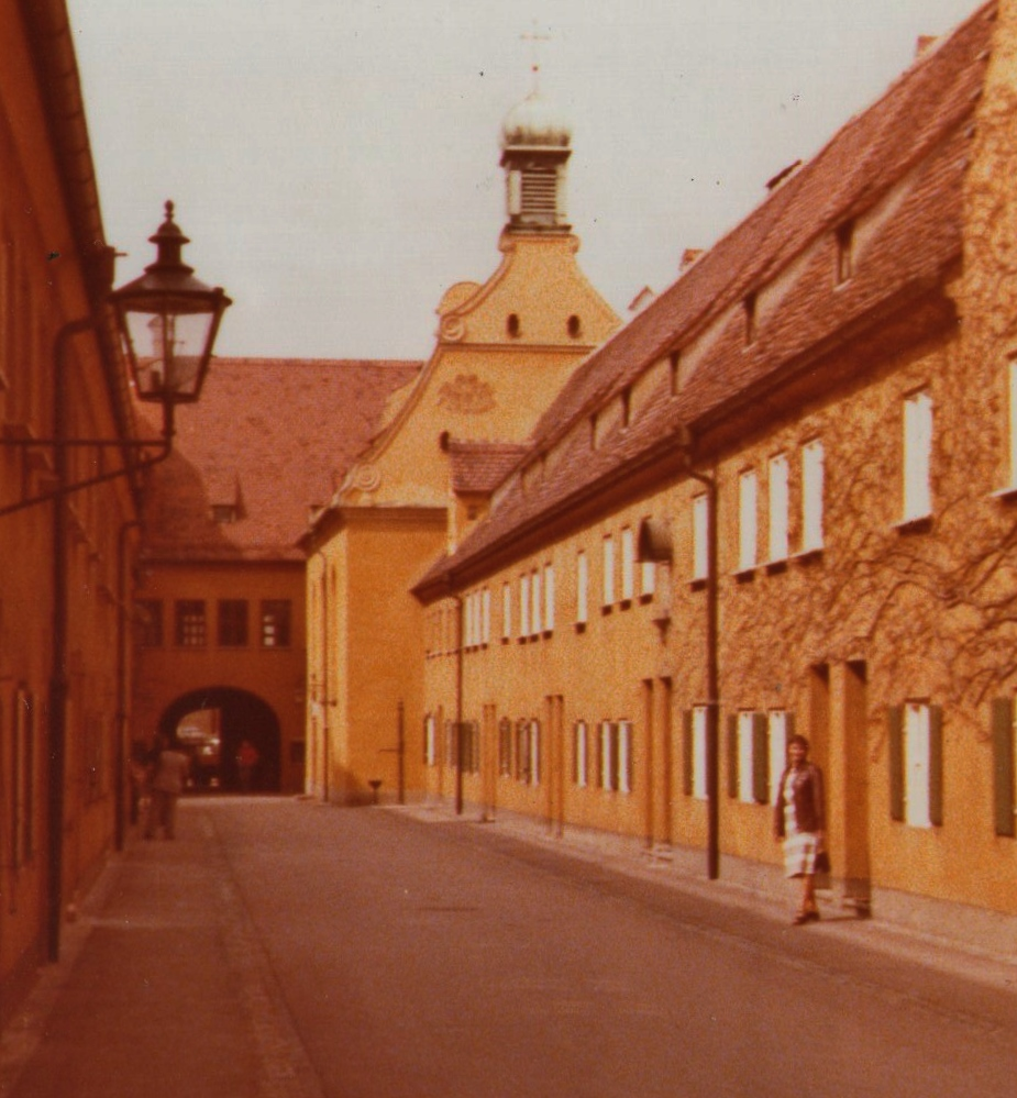 A street in the Fuggerei in 1977