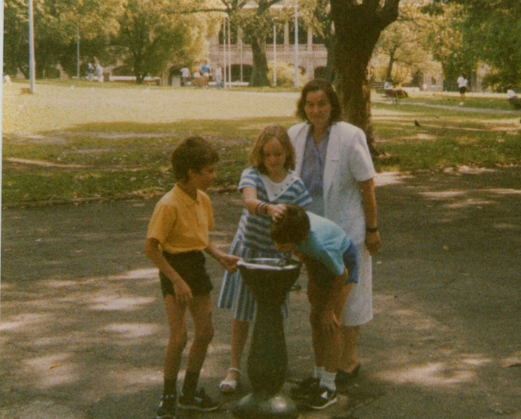 The bubbler in Belmore Park is still popular in December 1987 with Caroline and grandsons Troy and Ryan.