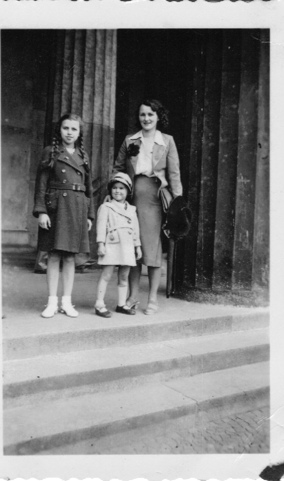 My cousin Ursula in Berlin with me and Mum in September 1938.