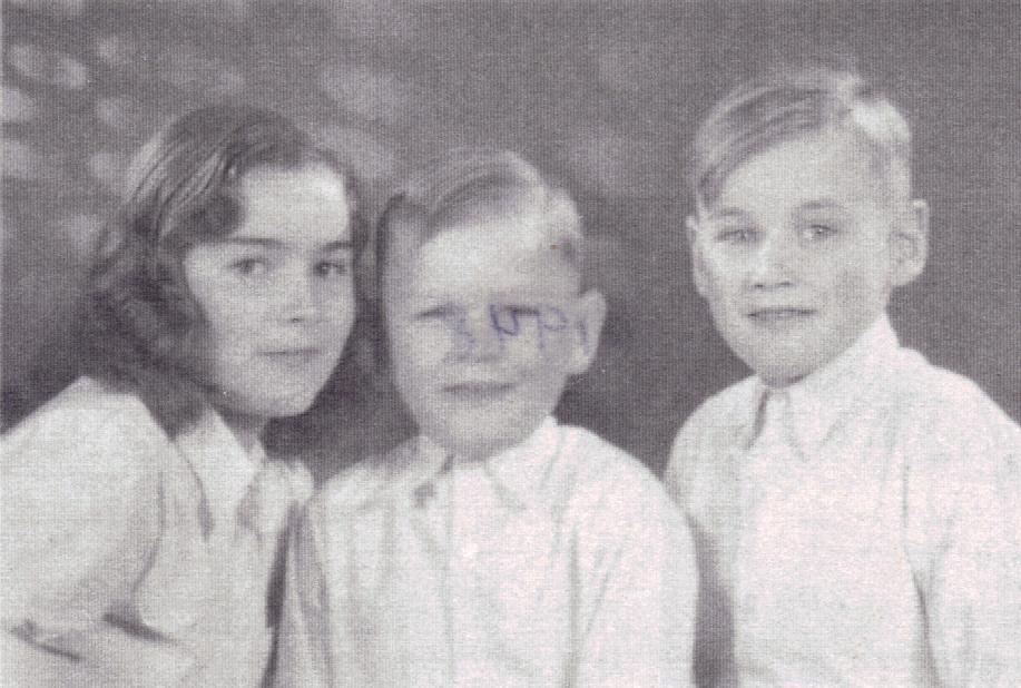 Uta, Peter-Uwe and Bodo in October 1948