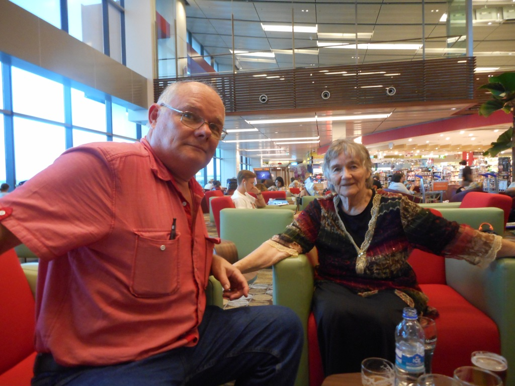 Here I am with Martin in a lounge of Singapore Airport after I had hydrated myself sufficiently with some water.